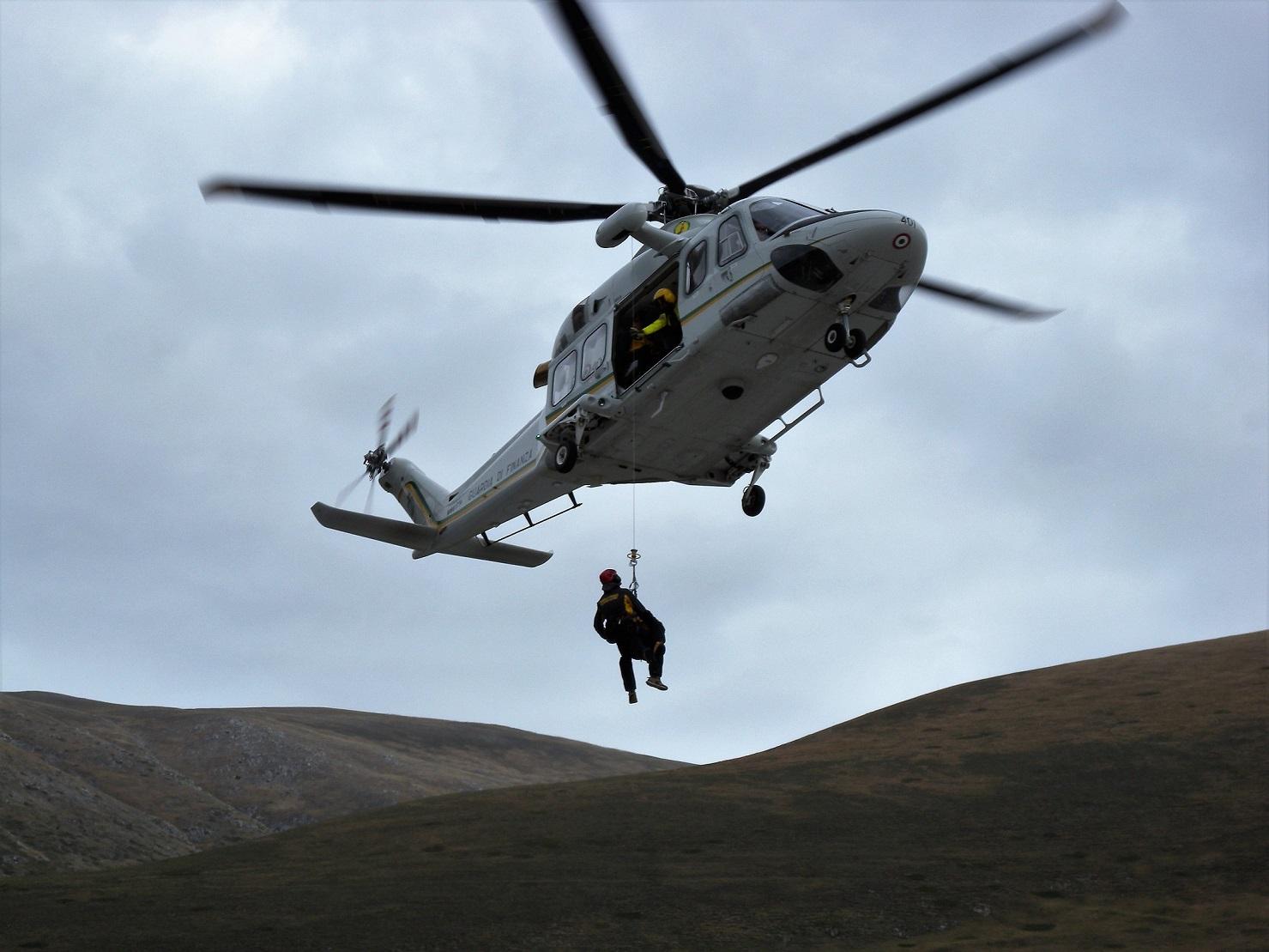 Elicottero Gdf : New ray ny elicottero agusta aw guardia di finanza