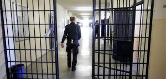 ++Agenti, detenuti, personale: 1.851 positivi al Covid nelle carceri italiane++